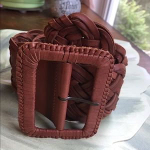 ABERCROMBIE & FITCH WIDE BROWN LEATHER BELT XS/S